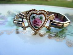 Vintage Guilloche Heart Rose Stretch bracelet