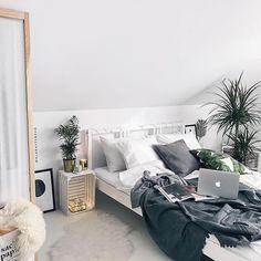 The best contemporary bedroom lighting design ideas for your home decor. Bedroom Wardrobe, Bedroom Inspo, Bedroom Decor, Bedroom Lighting, Scandinavian Style, Room Interior, Interior Design Living Room, Ideas Habitaciones, Deco Design