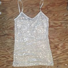 🆑 White Tank Top with Gold Sequins White spaghetti strap tank with gold sequins 🏆 in EUC Tops Tank Tops