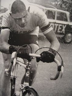 Velominati › Anatomy of a Photo: You Can Leave Your Hat On