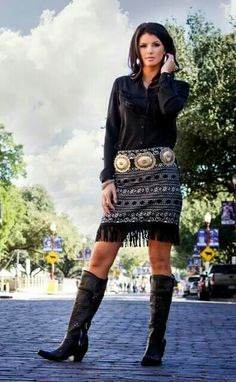 Cowgirl Justice Fall 2014 Aztec Skirt with Fringe Short Skirt! Country Fashion, Country Outfits, Boho Fashion, Autumn Fashion, Fashion Dresses, Womens Fashion, Native Fashion, Woman Dresses, Africa Fashion