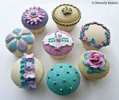 With Celebrate Mothers Day with Decorating Ideas of Cakes; Cupcakes are to help with all your celebration needs. Celebrate Mothers Day with Decorating Ideas of Cakes, Cupcakes are for occasions. Cupcakes Design, Cake Designs, Fondant Cupcakes, Fondant Toppers, Cupcakes Bonitos, Cupcakes Lindos, Mothers Day Cupcakes, Mothers Day Cake, Happy Mothers