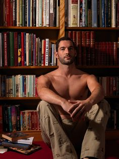 Tom Ellis and Books ... oh, my.