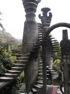 """JARDIN SURREALISTA EN MÉXICO… XILITLA, SAN LUIS POTOSÍ. :)   There's an amazing place in San Luis Potosí (México) called """"Surreal Garden"""", builded in the middle of the forest, in a little town called Xilitla, it's beautiful!!"""