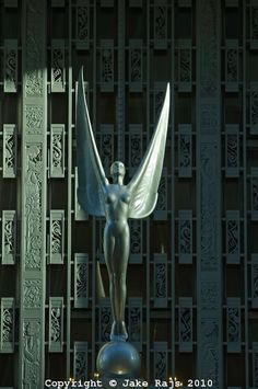 art-deco statue in NY