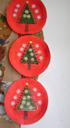 Dekoration Weihnachten – 4 Awesome DIY Easy Christmas Ornaments Design Ideas 4 Awesome DIY Easy Christmas Ornaments Design Ideas Source by cocobinnsLove these string trees!christmas crafts for kids to make easy - SalvabraniChristmas tree in the paper pl Easy Christmas Ornaments, Christmas Crafts For Kids To Make, Christmas Paper Crafts, Preschool Christmas, Christmas Activities, Simple Christmas, Christmas Decorations, Diy Ornaments, Christmas Trees