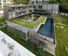 Gallery of Cantilever House / Design Unit Sdn Bhd - 17