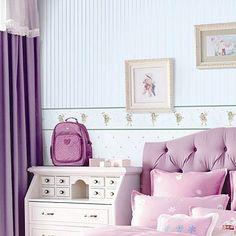 Обои для комнаты девочки: ромбики и полоски с бордюром из крепкого флизелина.