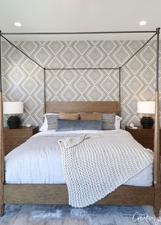 2019 Home Design Trends 2019 Home Design Trends Find Loads Of Inspiraton From The 2019 Home Design Trends And Ideas We Re Seeing In Home Exteriors Interior Design Home Paint Colors And Kitchens Beautiful Bedroom With Wallpaper Accent Wall Wallpaper Bedroom, Beautiful Bedrooms, Accent Walls In Living Room, Home Decor Trends, Bedroom Wallpaper Accent Wall, Wallpaper Living Room, Bedroom Trends, Master Bedroom Accents, Bedroom Wall