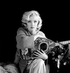 Marilyn with Mandolin , Free Shipping