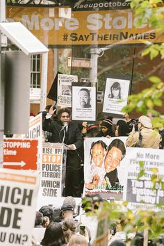 Rise Up October: Demonstration gegen Polizeigewalt in New York | VICE | Deutschland