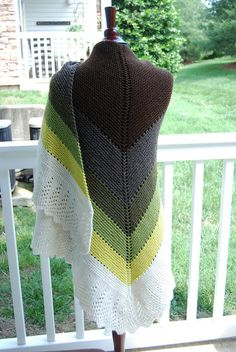 Gradient Chevron Shawl || Free Pattern