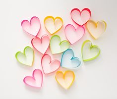 hello, Wonderful - DIY RAINBOW PAPER HEART POM POM WREATH