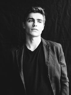 Dave Franco...so attractive. I love the Franco brothers
