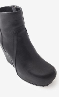 Rick Owens Black Leather Booties | VAUNTE