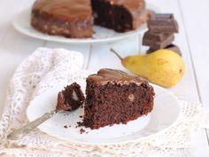 Torta cioccolato e pere ricetta dolce senza burro senza latte e senza latticini. Una torta da dispensa facile, morbida e golosa.