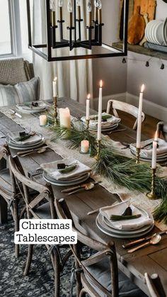 Red And Gold Christmas Tree, Natural Christmas, Simple Christmas, Beautiful Christmas, Vintage Christmas, Rustic Christmas, Minimal Christmas, Christmas Bedroom, Christmas Fireplace