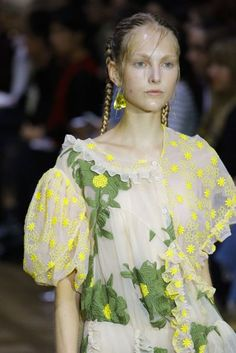 Simone Rocha London Spring/Summer 2017 Ready-To-Wear Details | British Vogue