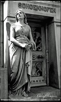 Chicago Graceland Cemetery