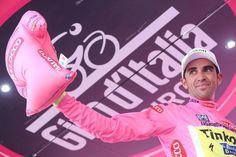 Giro d'Italia @giroditalia La Maglia Rosa, @albertocontador. #giro pic.twitter.com/iKV97T5ew8