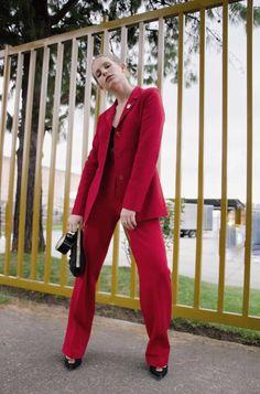 Red, one color trend Instagram: @LauraKobels Creative Director: Laura Kobels Fotógrafa: Daniela Santamaria @a_huge_wtf