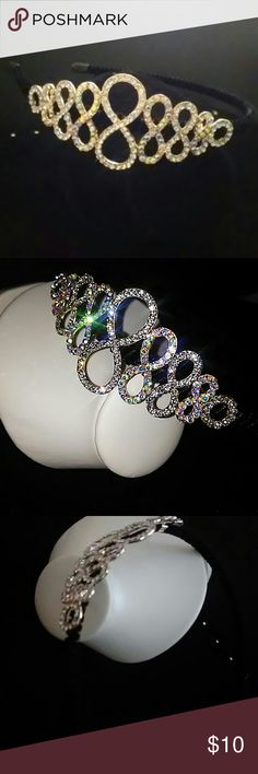 New rhinestones fancy headband New headband with fancy detail made up of rhinestones. Band is black velvet material Accessories Hair Accessories