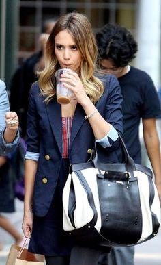 Jessica-Alba-with-Chloe-Alice-Tote-bag-2.jpg 362×594 pixels