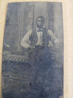 BLACK-AMERICANA-ANTIQUE-TINTYPE-PHOTOGRAPH-WELL-DRESS-YOUNG-MAN
