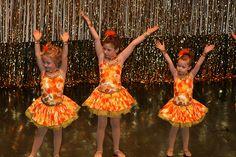 Dansuri de grup pentru copii  - ballet dance and kids dancing