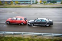 """Für Autofahrer und Automobilentwickler eröffnen sich jetzt ganz neue Perspektiven mit dem  """"Intelligent Drive"""". Die nächste Generation der neuen S-Klasse wird mit einer Vielzahl neuer Systeme das Autofahren noch komfortabler und noch sicherer machen. Denn was mit PRE-SAFE® vor zehn Jahren begann und mit DISTRONIC PLUS seine Fortsetzung fand, führt bei Mercedes-Benz schon in wenigen Jahren zu einer neuen Dimension des Autofahrens: Komfort und Sicherheit verschmelzen miteinander."""