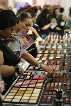 Building a professional makeup kit can be overwhelming and pricy especially when you don't have the proper guide as to what you really have to buy and...