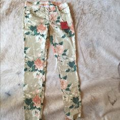 Floral skinny jeans Adorable for the spring! These are great, they just don't quite fit me. Fits size 4 best (listed as 3?). Never worn. Hope you love!  Mossimo Supply Co Pants