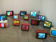 Artissima 2014 - pellicole colorate su tv vintage con scene di film b/n in loop