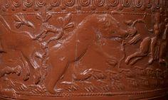 Janvier 2017 : Bol en céramique sigillée figurant un ours Production de Lezoux, IIe siècle. © MAN / L. Hamon