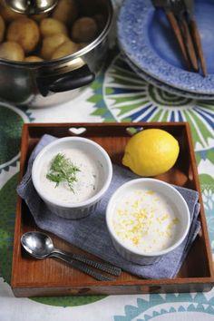 En krämig och fluffig vitvinssås, som ofta serveras till finare fisk- och skaldjursrätter. Men den är också god till sparris och kokta grönsaker som rödbetor och svartrot.