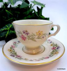 Lovely Footed Pickard Demi Tasse Tea Cup Saucer Set Garland Pattern 1043