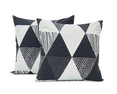 Koodi Tibel -tyynynpäälliset, 2 kpl. Vetoketju. Katso myös muut Tibel-tekstiilit. Harmaa-musta. Ostoksille!