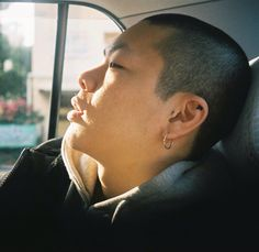 오 혁 Oh Hyuk of HYUKOH  Photo by Han Da Som
