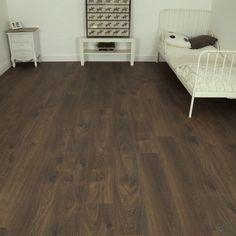 £9 Series Woods 8mm Stout Oak V Groove Laminate Flooring - Oak Flooring