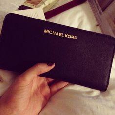 Michael Kors Handbags Keep Warm and Stay Trendy Only $39.99 #Michael #Kors #Bags