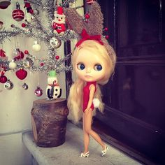 """Tell me, am I not the cutest little bunny you ever did see!"" #kennerblythe  #blythe  #vintagedoll  #bunnygirl #red #christmas  #christmastree  #christmasdecorations  #bunny #red #kawaii #ootd #festive #blonde"