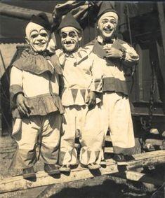 midget-clown.jpg 336×404 pixels