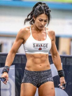 Female Mma Fighters, Savage Girl, Crossfit Chicks, Gym Body, Strong Girls, Muscle Girls, Beautiful Bollywood Actress, Muscle Fitness, Girls Who Lift
