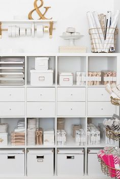 IKEA Hacks That'll Answer All Your Craft Storage Woes If you're short on room, optimizing your space with tall shelves is the way to go.If you're short on room, optimizing your space with tall shelves is the way to go. Home Office Space, Home Office Design, Home Office Decor, Office Spaces, Office Ideas, Office Workspace, Work Spaces, Apartment Office, Office Inspo
