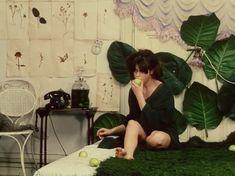 Daisies Vera Chytilova) / Cinematography by Jaroslav Kucera Daisies 1966, Film Aesthetic, White Aesthetic, Film Inspiration, French Films, Monochrom, Film Stills, Look At You, Film Photography