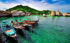Koh Nang Yaun boats - A good reason to put Thailand on your must-see list