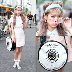 We ran into Saaya Hayashida, producer of the Japanese fashion brand Swankiss(スワンキス), on the street in Harajuku this weekend. Her look features pastel hair and fashion by Swankiss.