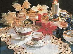 praktická žena: Vianočné stolovanie Table Settings, Table Decorations, Furniture, Home Decor, Decoration Home, Room Decor, Place Settings, Home Furnishings, Home Interior Design
