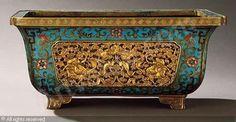 JARDINIERE, Jiaqing Period (1796-1821) China | Christie's, Hong Kong