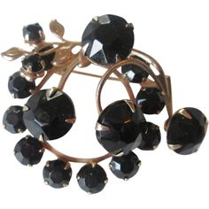 Black Jet Glass Brooch Vintage 1950s Pin Costume Jewelry http://www.rubylane.com/item/676693-JL207/Black-Jet-Glass-Brooch-Vintage-1950s